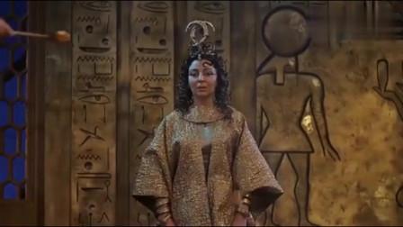 埃及艳后平安产子,凯撒看到是男孩后,高兴大喊自己有儿子了