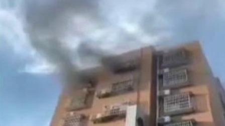 第一时间 辽宁卫视 2019 河南:公寓起火居民被困  危急时刻公交车显身手