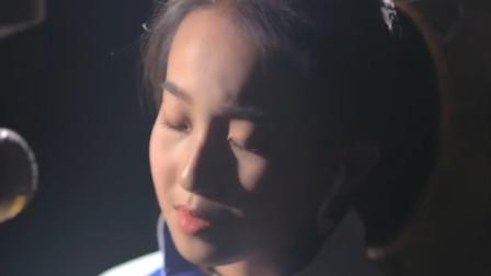 周杰伦的歌就是好听,小女孩翻唱不输原唱的节奏,别有一番韵味
