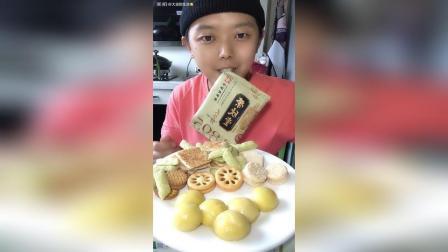 榴莲大黄米汤圆 各种饼干糕点泡牛奶!