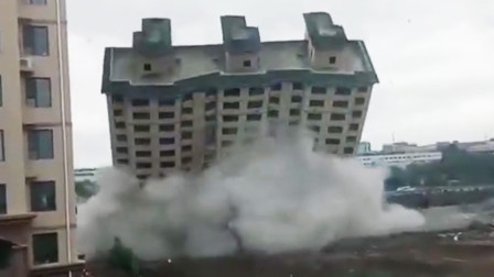 长春一开发商拆烂尾楼震坏隔壁小区 受损居民:像六七级地震