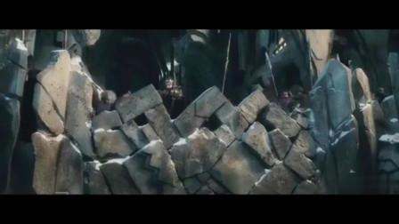 《霍比特人3五军之战》删减版片段,庞大的阵容特别震撼!