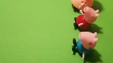 今天给小猪佩奇发汽车,然后乔治不想要粉色的,就跟姐姐换了