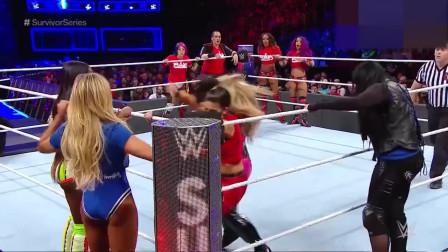 WWE 杀马特暴踢对手裆部,美女想死的心都有了!
