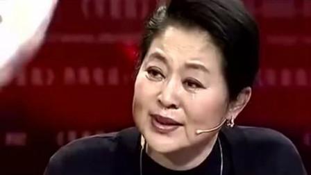 8岁男孩被拐泰国,变性成女人卖日本拍写真,一开门倪萍泪崩了