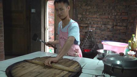"""厨师长教你:用土灶炒""""回锅肉"""",农村土锅加柴火才是真正的土味"""