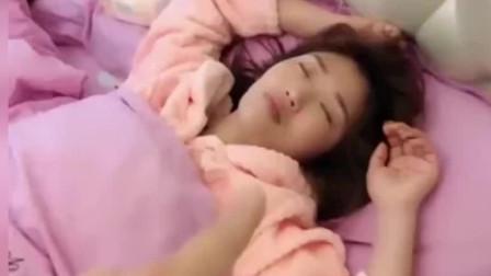 太惨了!美女正在睡觉,老公却做出这种事情,像这种老公赶紧离了吧!