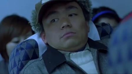 """坐飞机让""""服务员""""开窗户透气!空姐拒绝了他的要求!"""
