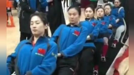 中国拔河女队和德国队热身赛,颜值担当你发现了吗?