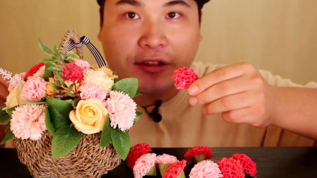行旅天下 第766集 一篮子鲜花搬上桌,大胃王摘下一朵花就吃