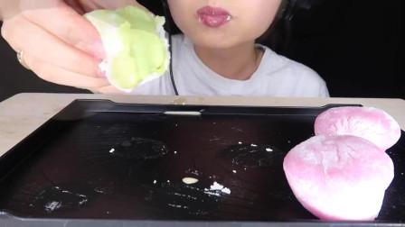 吃播:Hood 外国小姐姐吃糯米糍雪糕