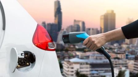 看了蔚来的充电服务,我又相信中国电动车可以崛起了!