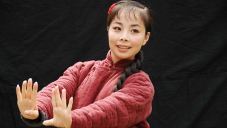 王二妮真敢唱,这酥酥麻麻的嗓音,简直太撩人了