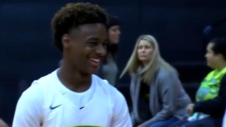 詹姆斯儿子布朗尼在篮球场上打得风生水起,而观战的詹姆斯也太不淡定了