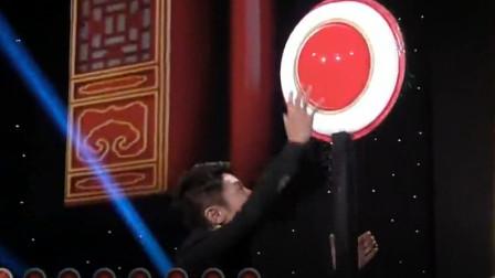 撒贝宁参加《开门大吉》,小尼挤怼:今天这个门铃应该调一下高度!
