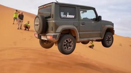 开着2019款铃木吉姆尼去沙漠玩越野,一脚油门后,才是霸气的开始