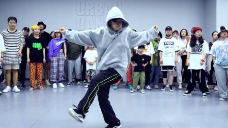 Ako 编舞《Chandelier》Urban Dance Studio Swag Riehata