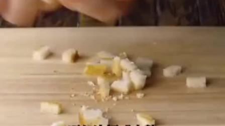 烘焙小课堂:奶酪火腿面包卷的做法