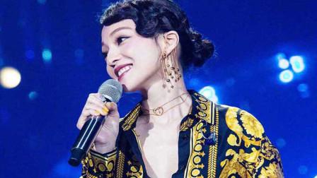 张韶涵的成名之路并非一帆风顺,这首《淋雨一直走》成就了她!