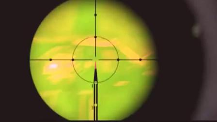 黑人狙击手藏在远处 对目标进行致命狙击。