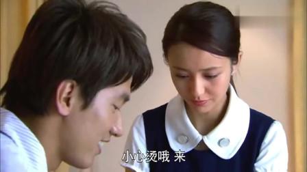 恋恋不忘:见到吴桐为自己吃醋的模样,厉仲谋乐开了花,大概这就是爱情吧!