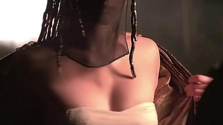 锦衣卫不相信姑娘的身份,可当她看到这些后,瞬间也明白了!