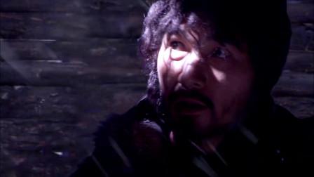 王晶导演《雪山飞狐》:打遍天下无敌手的苗人凤与胡一刀决战不分胜负。