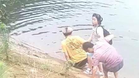 湖南衡阳一女孩意外落水 头枕书包漂浮神自救