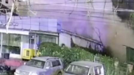 柬埔寨7层楼房突然倒塌致3死18伤