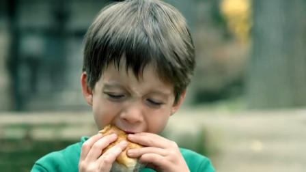 美国孙子来农村想吃汉堡包,爷爷弄了一个肉夹馍糊弄他,吃的贼香