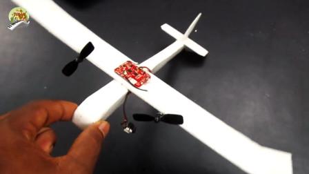儿童手工制作,用泡沫板制作飞机玩具真棒