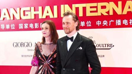 上影节:抖森许魏洲红毯比帅 长泽雅美秀性感美背