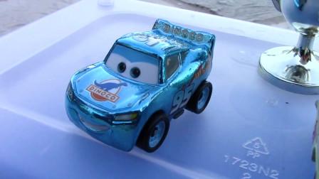 迪斯尼汽车50辆迷你赛车袋和快递在超级6车道锦标赛