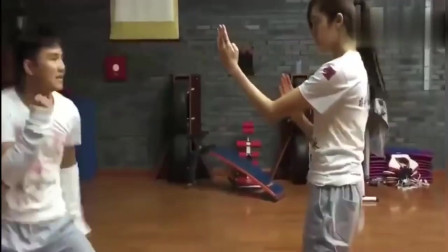 美女上演咏春拳三板斧, 这水平甄子丹看了都说服!