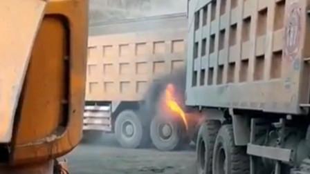 这些司机就是牛,轮胎着火了、爆胎了照样开着