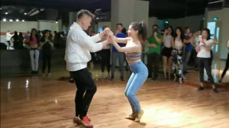 巴恰塔双人舞课堂老师学员舞蹈展示视频
