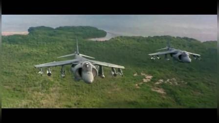 《真实的谎言》里,战斗机追击恐怖分子的画面,打的很精彩,带劲
