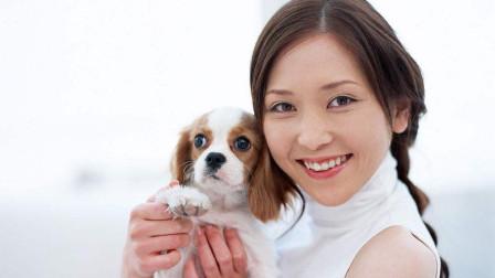女子养狗同吃同住,一年后肚子胀痛,到医院检查时瞬间崩溃!