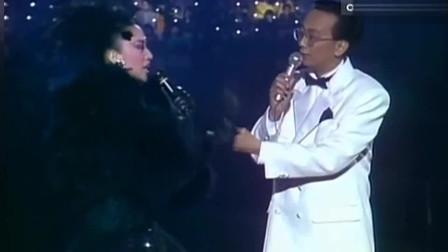 当年梅艳芳凭此歌获奖,上台就像是回到家一般,笑靥如花