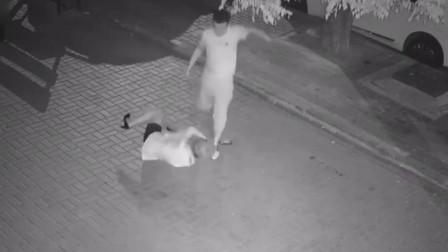 女孩遭男子殴打扒衣拖走 网警介入调查