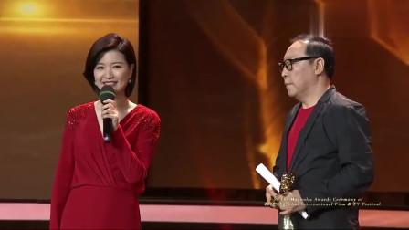 倪大红荣获白玉兰视帝,实力老演员,主持人呼吁都去买手磨咖啡!