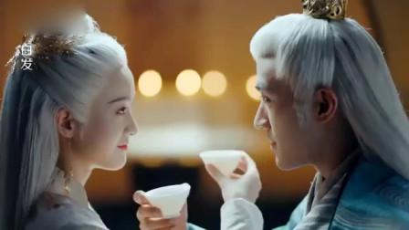 白发:两人这下白头到老了,深夜拜堂结为夫妻,有情人终成眷属