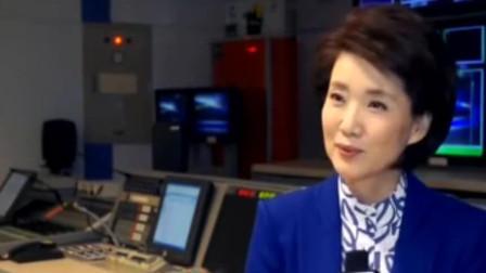 央视主持人国脸李修平,端庄大方主播女神,如今56岁气质依旧高贵