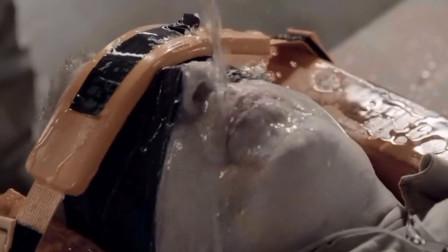 古代水刑有多可怕?作死老外亲身体验,隔着屏幕都觉得窒息