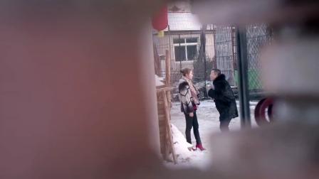 丈夫过年带着闺蜜一起回家,妻子躲在墙后听到二人谈话,直接懵了