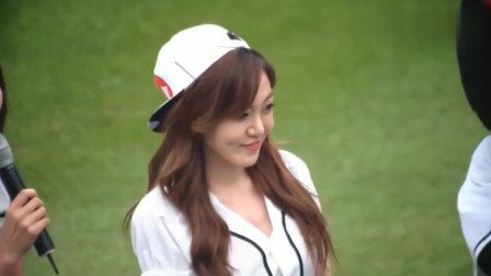 韩国棒球比赛美女明星恩率开球,宛如神仙一般的颜值,我又恋爱了