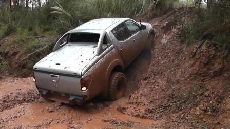 三菱L200皮卡车越野测试,泥潭里冲坡时你才知道这车多牛