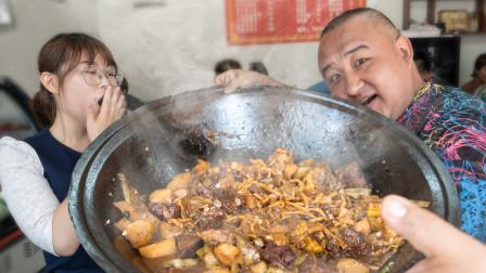 藏在停车场里的东北菜馆?排骨炖豆角肉超多超香!根本停不下来!