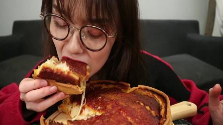吃播小姐姐吃芝士披萨,空运的外卖,拉丝有些失败