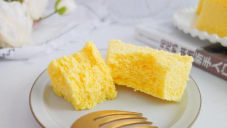 早餐用香蕉和酸奶简单一做,比蛋糕还好吃,隔三差五孩子就想吃